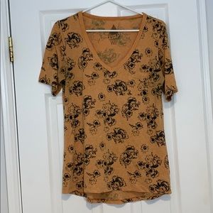 Burnt orange and floral tee by Volcom! 🍊
